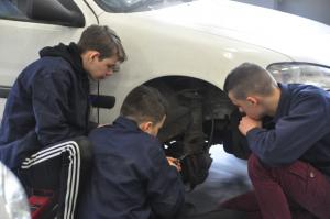 Image à la une de 2016 – Faire pour apprendre : l'EPAL, l'Ecole de Production Automobile de Lens
