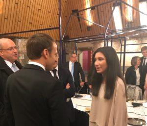 Image à la une de A L'Elysée… Nawel, lauréate du programme Emergence d'Aréli, stagiaire chez Vinci et membre du CPV