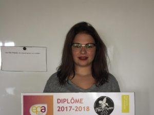 Image à la une de Manon, mini-entrepreneuse, 3eme prix du concours et présentatrice du lancement des 100 ans de la mini entreprise!